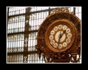 Gentes e Locais/Relógio na entrada do Museu d'Orsay