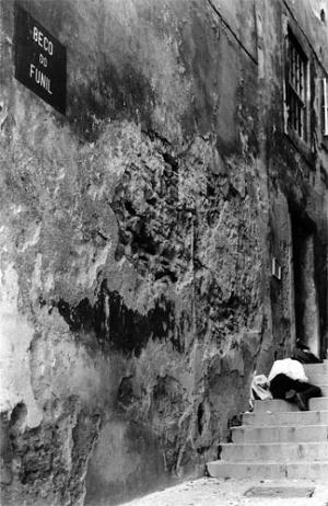 Paisagem Urbana/beco do funil (afunilar para a morte)