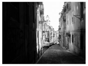 /Uma Rua do Bairro Alto de dia