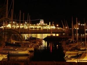 Gentes e Locais/Funchal A noite..