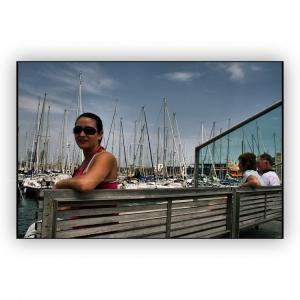 /...mirando...Puerto de Barcelona...