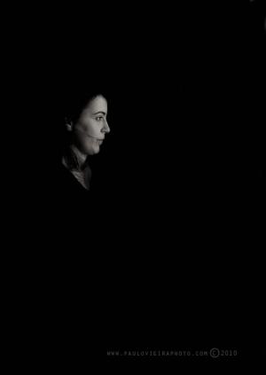 Retratos/uma luz na escuridão