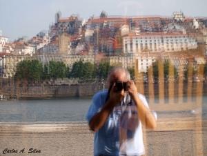 Outros/Auto-retrato com o Porto em fundo