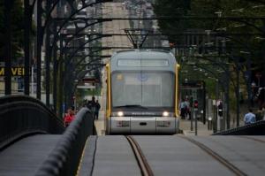 /Metro na ponte