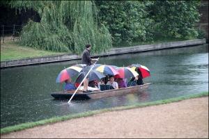 Gentes e Locais/E quando chove em Cambridge...