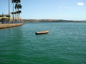 Paisagem Natural/Barco Sozinho.