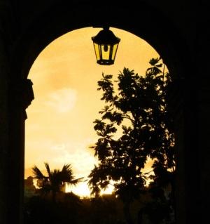 /Iluminando os portais da fé.