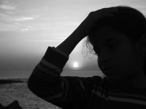 /Até que a mágoa se esconda no horizonte...