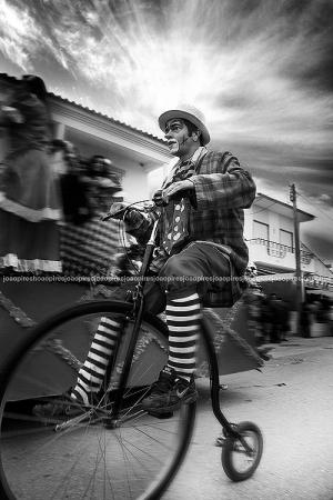 Gentes e Locais/Circus