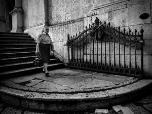 /A saída da igreja