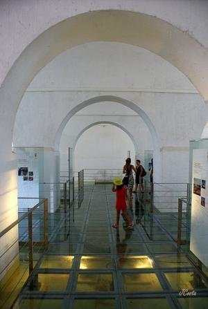 História/Cisterna Mourisca do Castelo de Silves...
