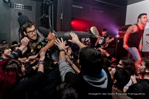 Fotojornalismo/Crowd Surf