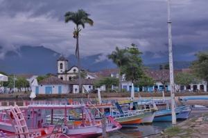 Paisagem Urbana/Barcos em  Paraty