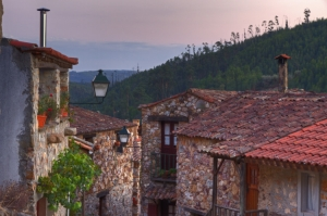 Gentes e Locais/Mais um olhar da aldeia...