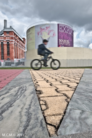/Cycling near the exhibition