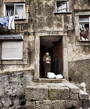 Gentes e Locais/age of loneliness
