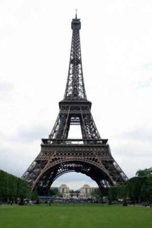 Gentes e Locais/Eiffel