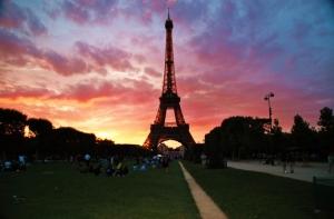 Outros/Torre Eiffel e o Por-Do-Sol