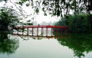 Gentes e Locais/A PONTE VERMELHA DO LAGO HOAN KIEM-HANOI (Vietname