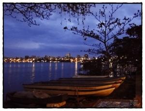 Outros/Lagoa noturna.
