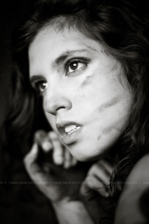 Retratos/From the Dark II