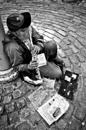 Gentes e Locais/Homeless Musician