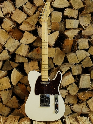 Outros/Fender Telecaster Deluxe Olimpic Pearl