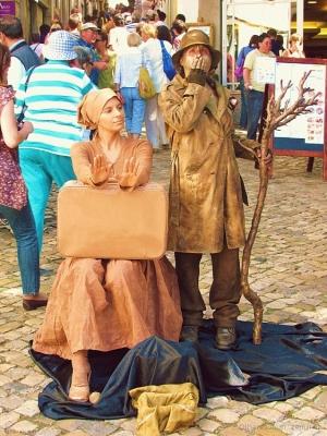 Gentes e Locais/Mulheres estatua