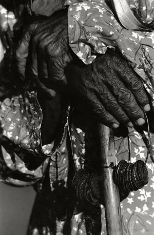 Gentes e Locais/Mãos do Tempo