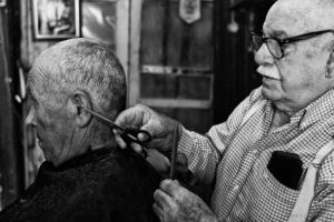 Retratos/Ainda há barbearias assim....!!!