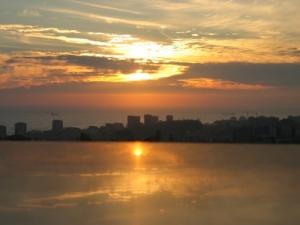 /Pôr do Sol reflectido