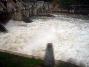 /Descarga da Barragem do Fratel em 2002