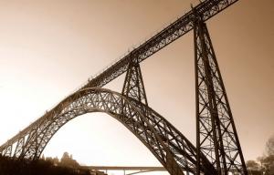 Paisagem Urbana/As Pontes do Sol Poente
