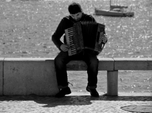 /____Give me music_____