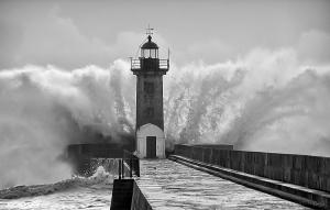 Paisagem Urbana/Deus ao mar o perigo e o abismo deu...