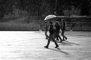 Gentes e Locais/À chuva...