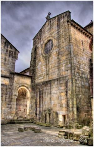 /Patio interior iglesia Misericordia