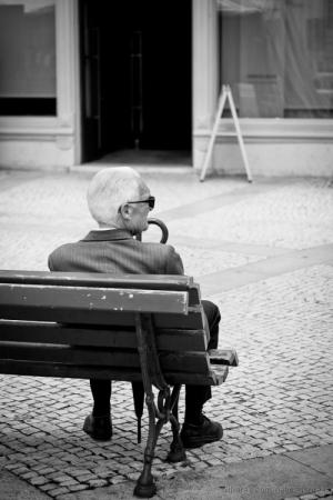 Gentes e Locais/rua solitária
