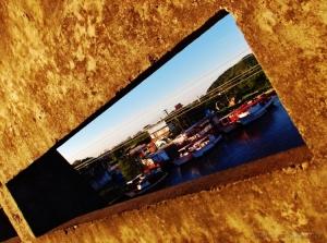 Outros/Uma janela sob o rio