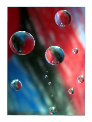 /Nas esferas do H2o