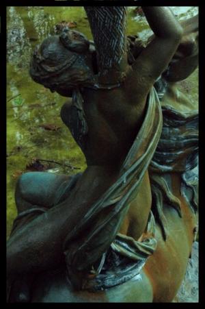 /Menina de bronze