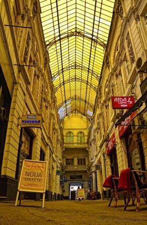 /Golden Gallery