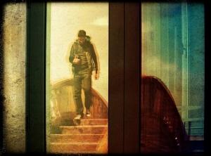 Gentes e Locais/Walking Through a Reflection....