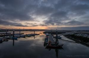 Gentes e Locais/O nascer do dia e o pescador