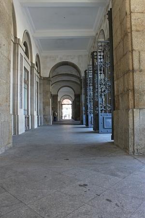 /entre colunas
