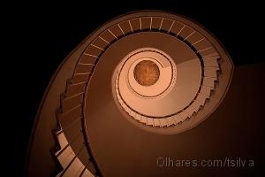 Outros/uma escada em caracol