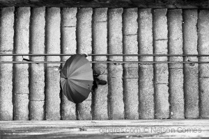 Gentes e Locais/cai a chuva