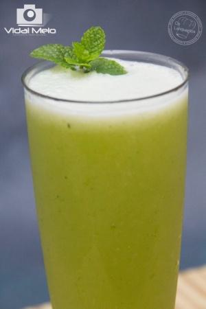 /Suco de abacaxi com hortelã