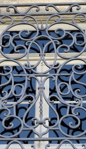Abstrato/Behind bars