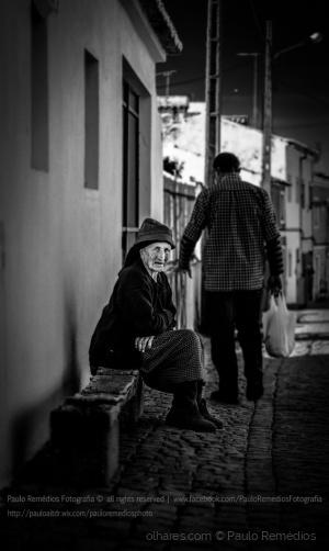 Retratos/Looking at